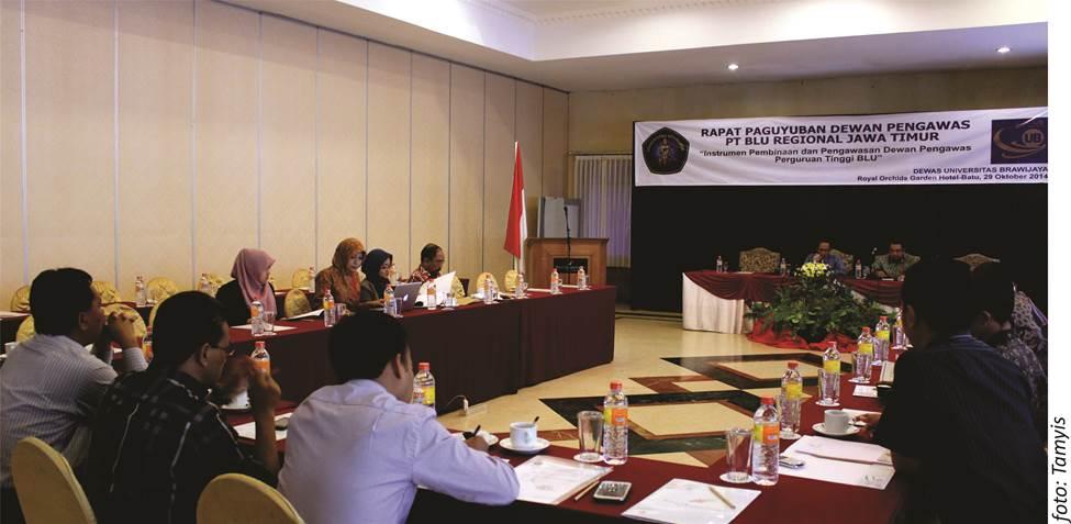 Rapat Paguyuban Dewan Pengawas (Dewas) Perguruan Tinggi yang melaksanakan Pola Keuangan Badan Layanan Umum (PK-BLU) Regional Jawa Timur berlangsung di Royal Orchids Garden Batu Rabu (29/11)